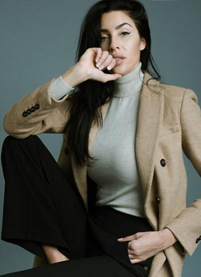 Alexandra R